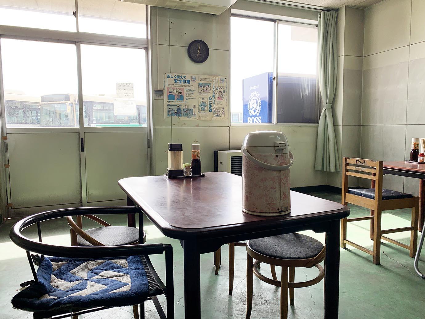 akita-bus-driver-cafeteria10