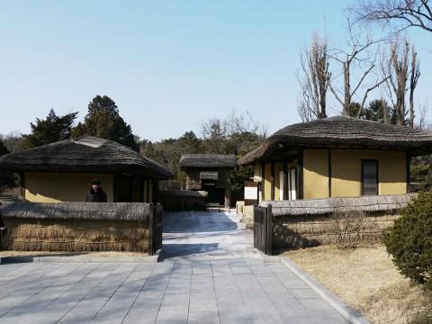 【現地レポート】北朝鮮にある金正恩のおじいちゃんの家に行ってみた / 金日成の実家