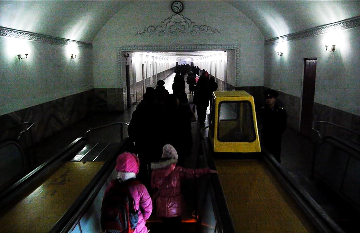 north-korean-subway15