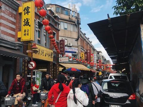 台湾の魅力が詰まったレトロな「迪化街」で食べて祈ってショッピング!