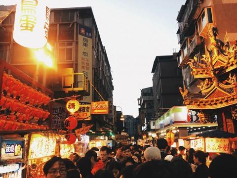 台湾旅行で絶対に訪れるべき「士林夜市」の見どころ食べどころ!