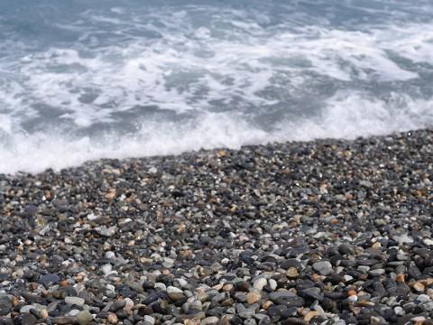 【本気ですごいよ】宝石が落ちている海岸! 富山県の奇跡の海岸「ヒスイ海岸」