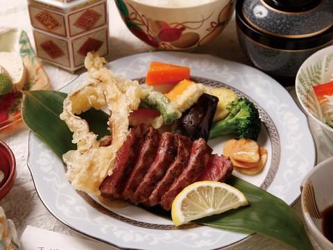 飛騨古川・西洋膳処「まえだ」がアツい!飛騨牛を使った贅沢ランチが低コスパで楽しめる!?