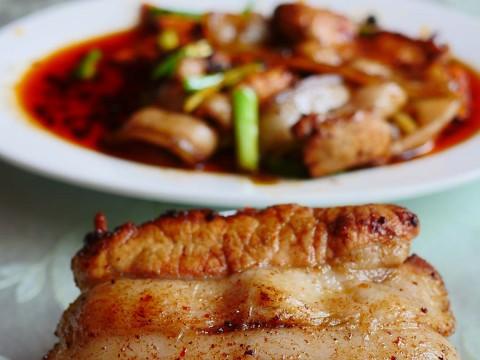 おそらく世界一うまい回鍋肉! 回鍋肉の村で伝説の回鍋肉を食べる / 代木儿の連山回鍋肉