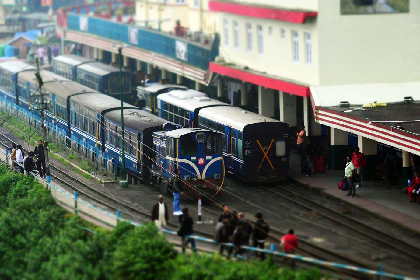 ride-darjeeling-railway-india2