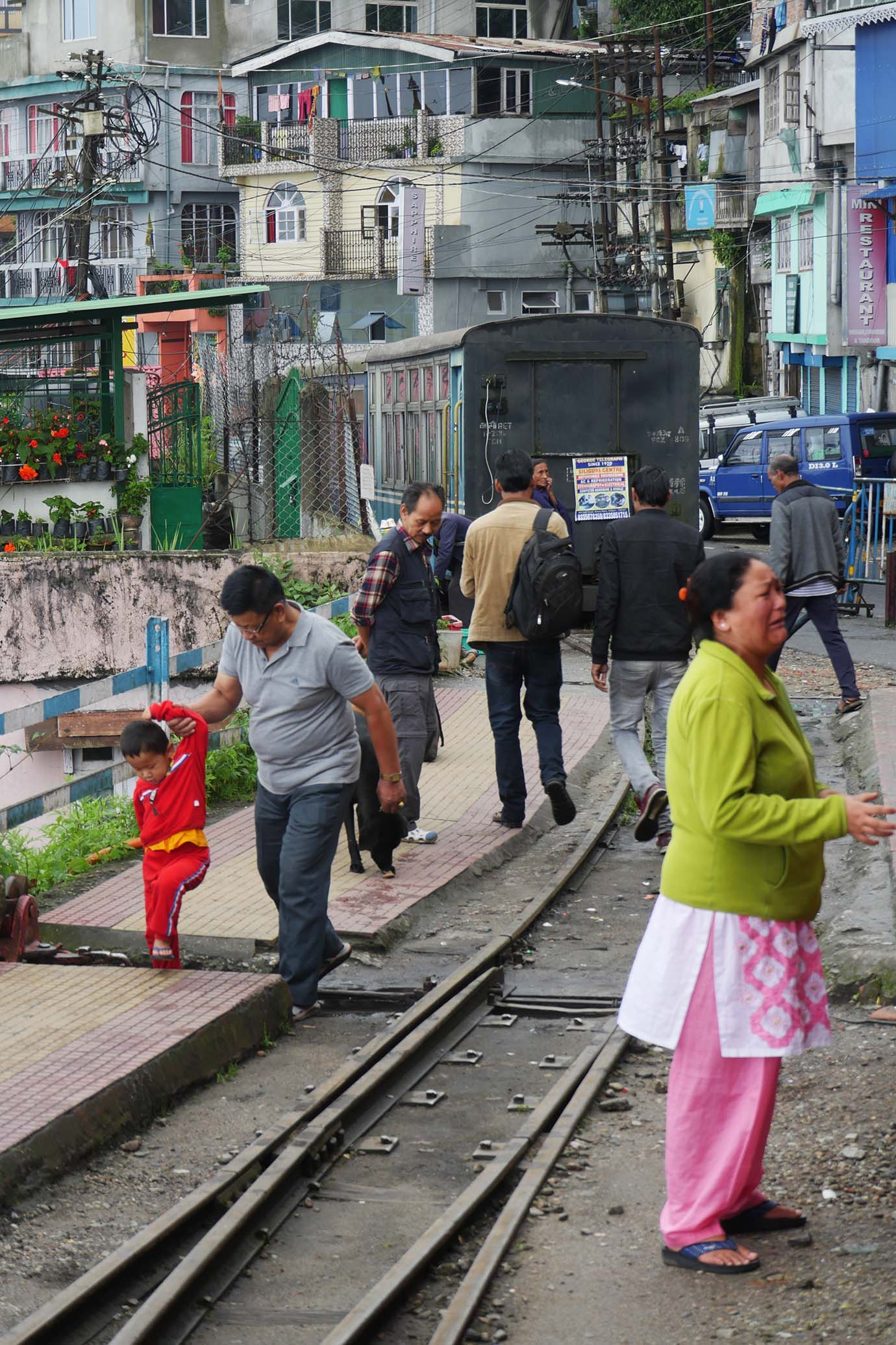 ride-darjeeling-railway-india20
