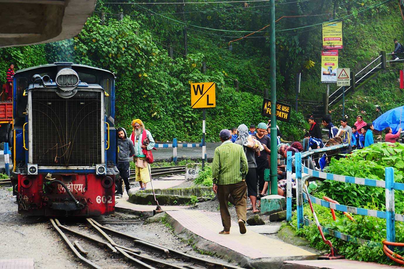 ride-darjeeling-railway-india28