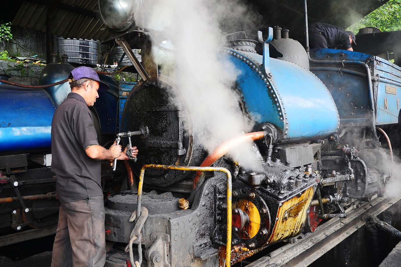 ride-darjeeling-railway-india35