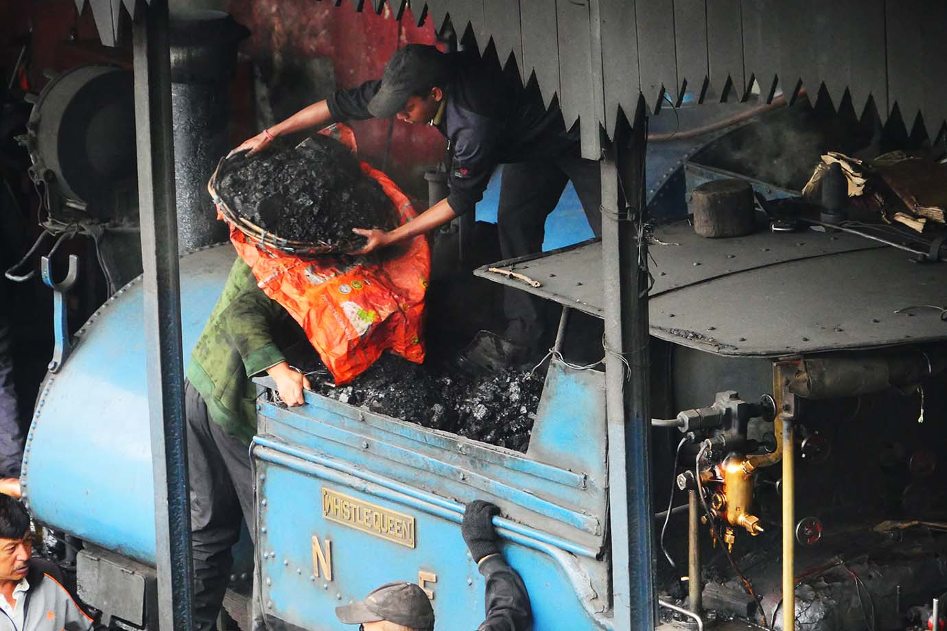 ride-darjeeling-railway-india38