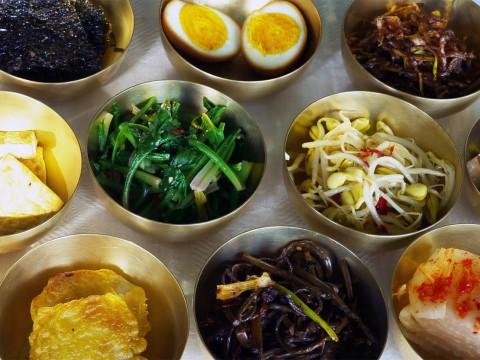 【北朝鮮に行ってみた】北朝鮮の田舎町に行って宮廷料理を食べてみた
