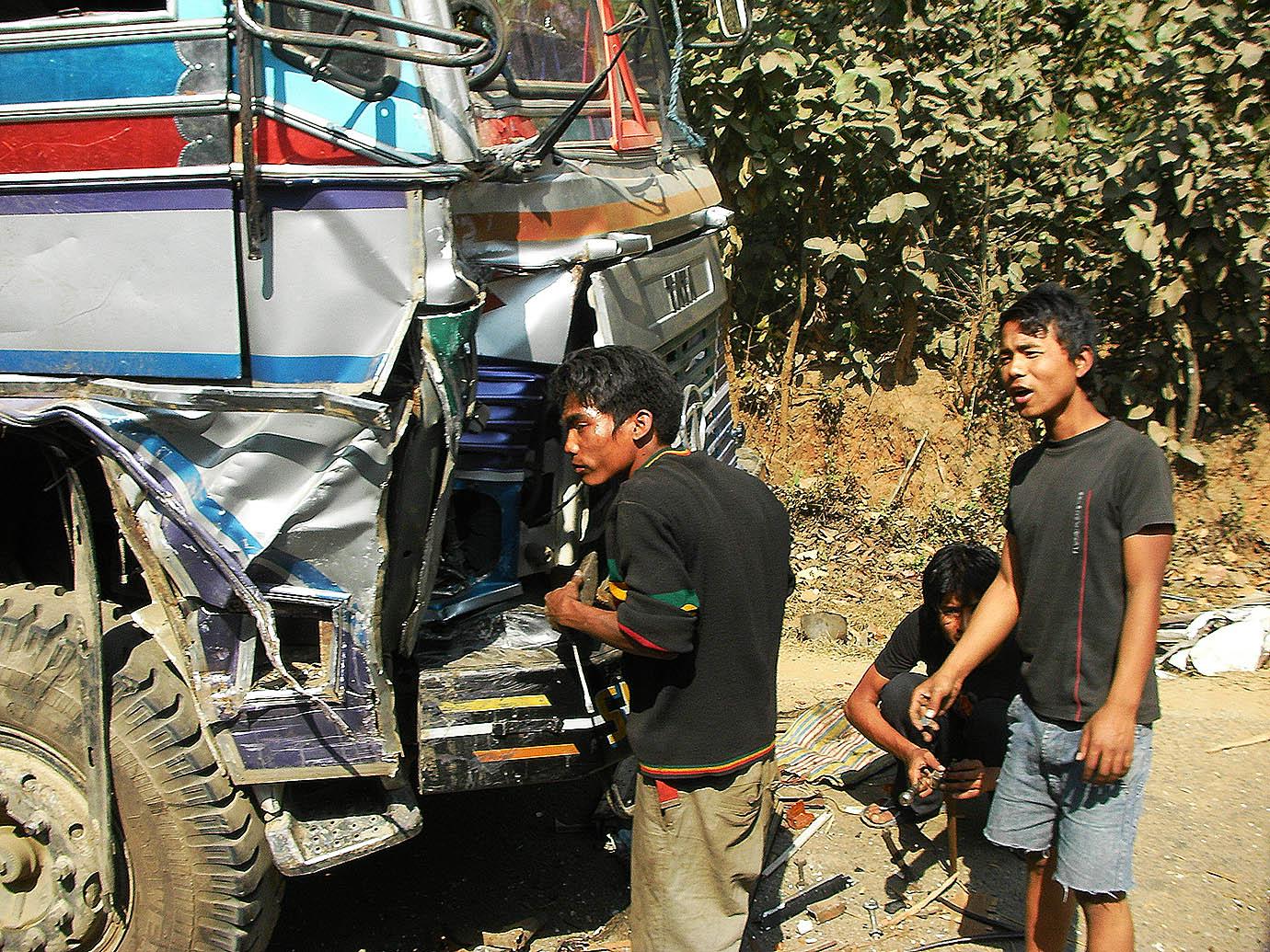 buss-nepal-india-tibet1