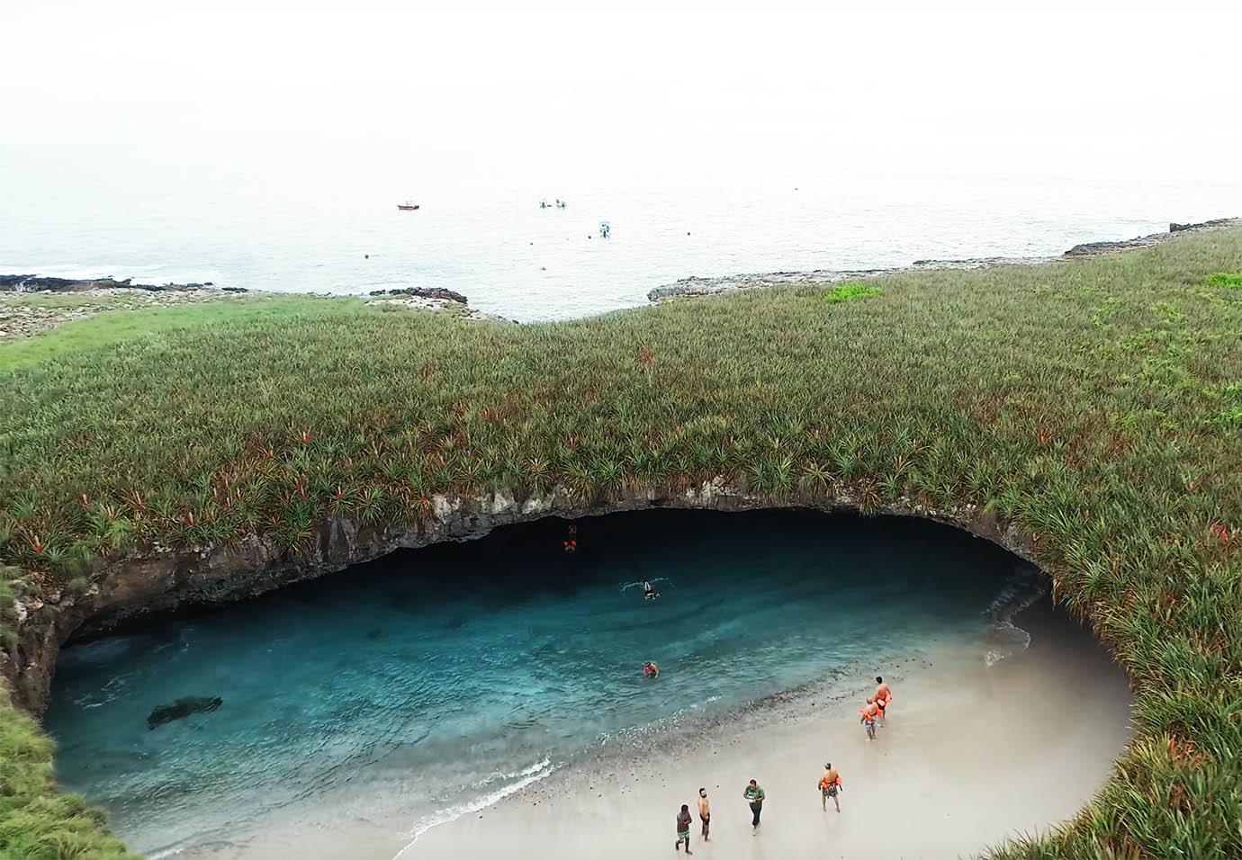 marietas-islands-beach3